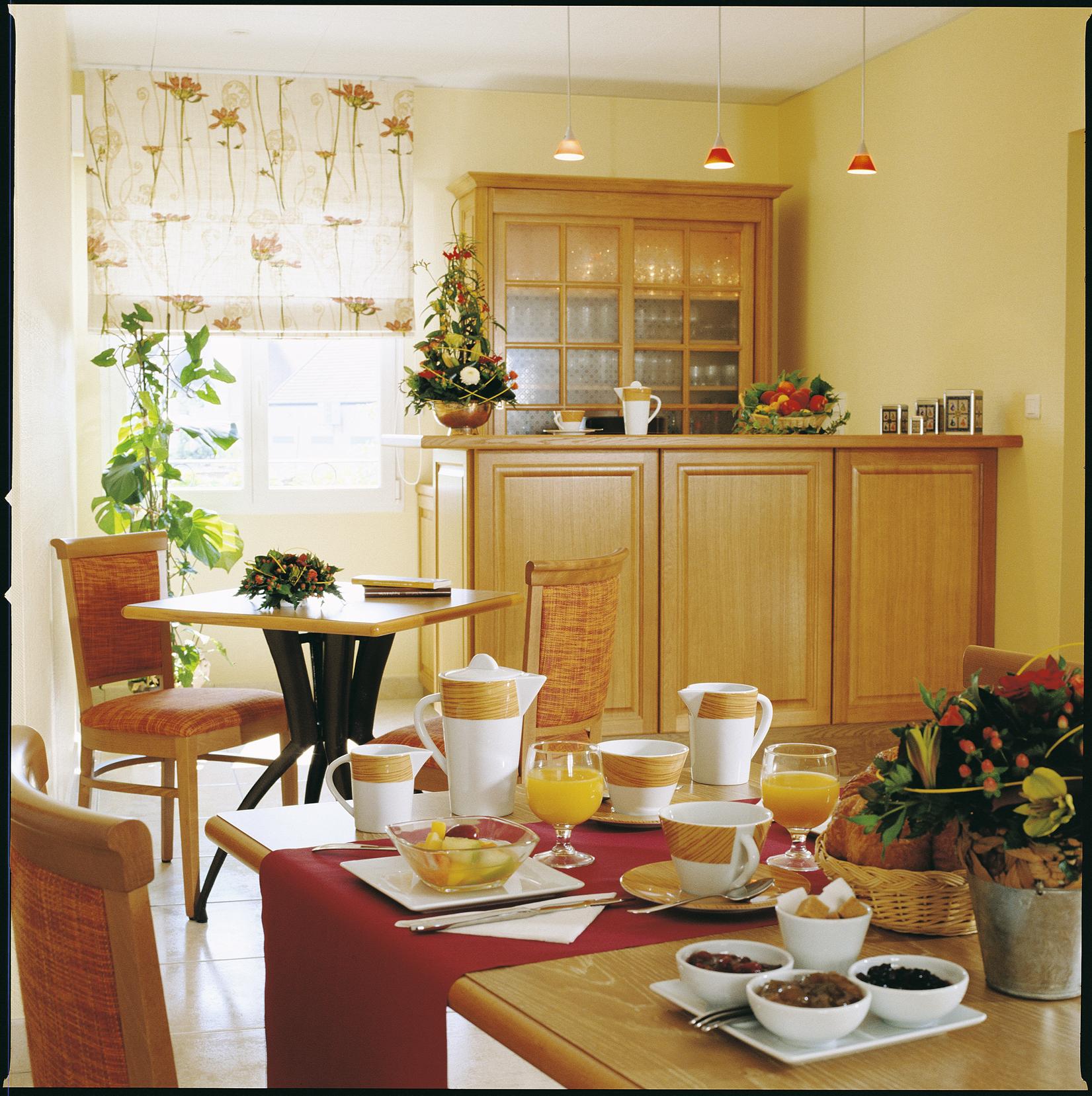 Salle de petit-déjeuner - HOTEL DES GRANDS CRUS ©HOTEL DES GRANDS CRUS