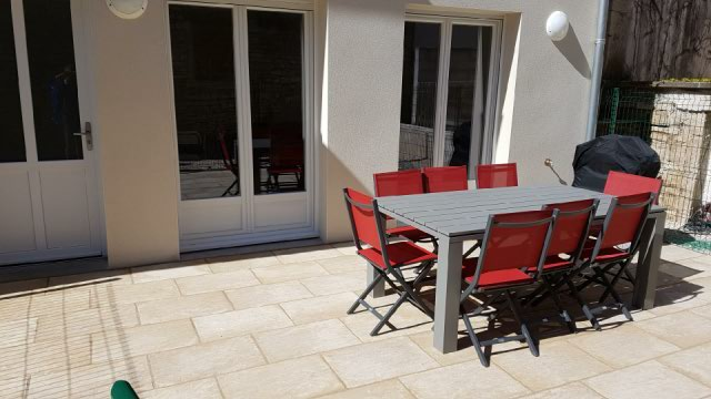 Resized_20170610_101645 - terrasse avec barbecue