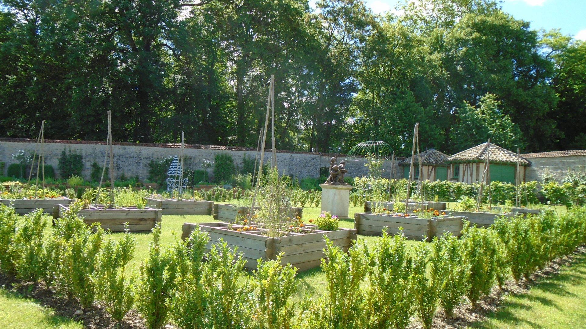 jardin 1 des enfants - CHATEAU DE MONTIGNY