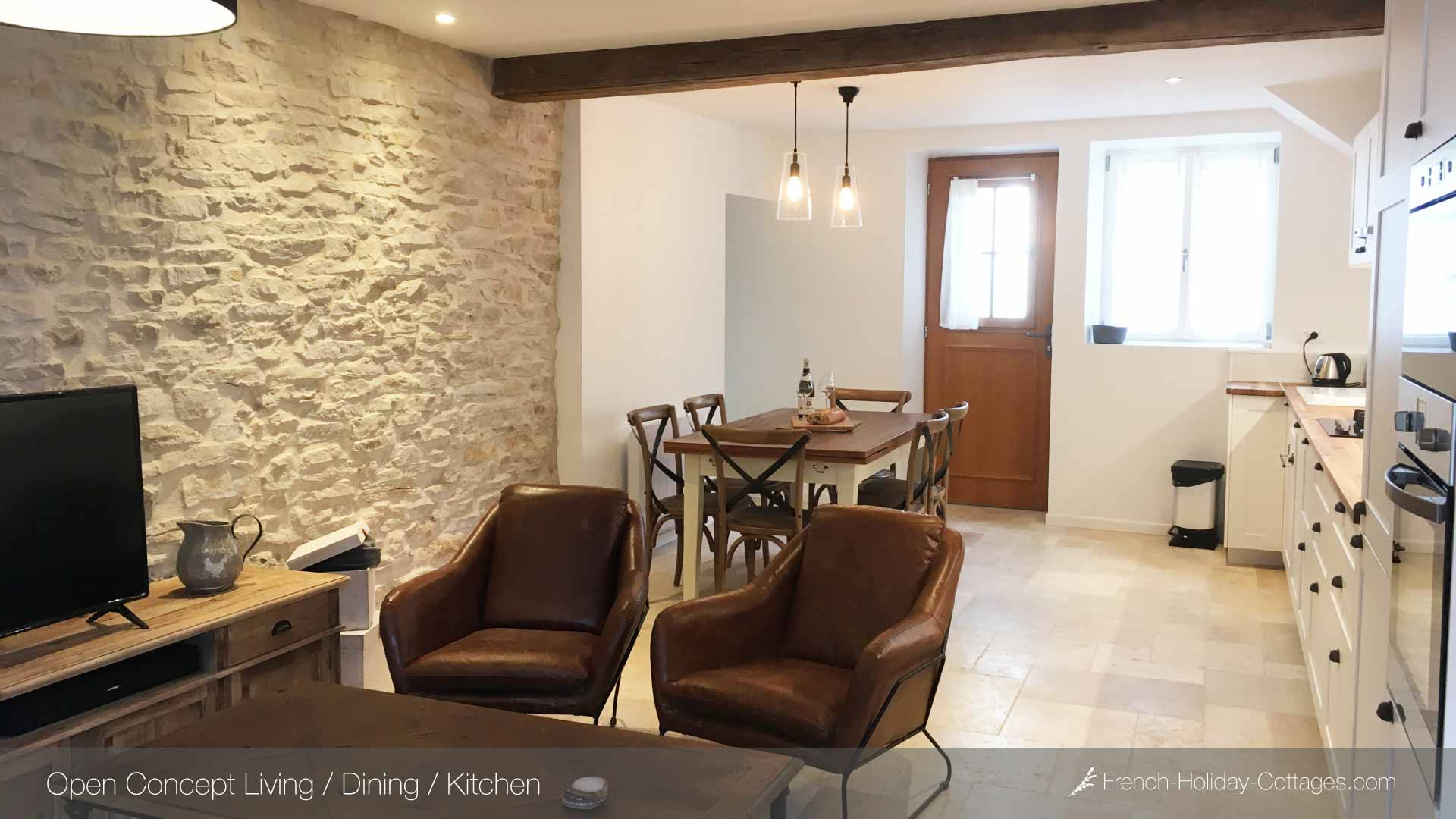 1.1-french-holiday-cottage-meursault-open-concept - french-holiday-cottages.com