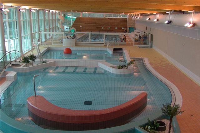 Centre Aquatique - LES CHALETS DÉCOUVERTE©MONTBARD