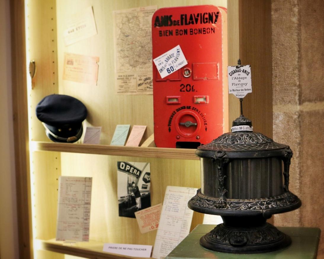 Musée des Anis - Distributeurs d''Anis - Romain Jeauneau