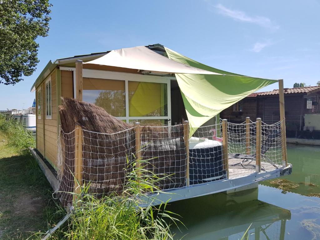 Cottage insolite vue sur l''eau - CHAMPION